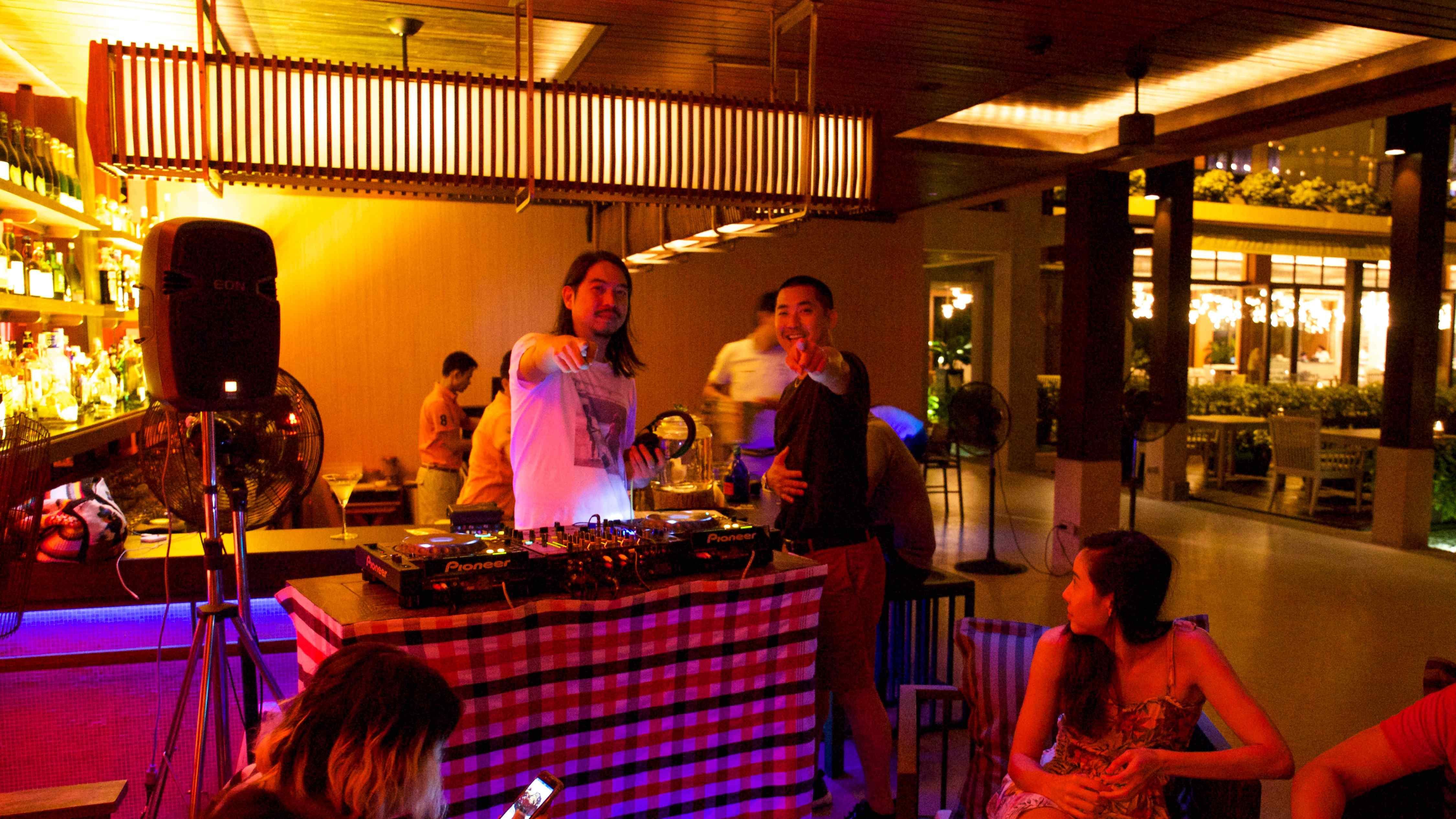 dj-tul-pompom-in-sri-panwa-phuket-resort